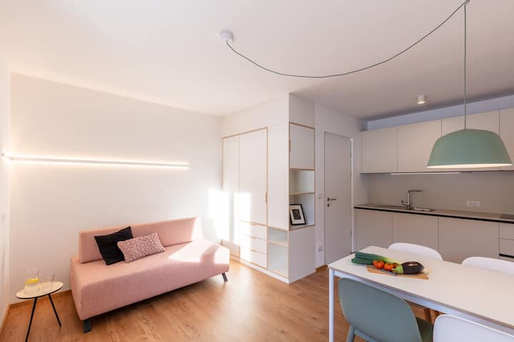 "Modern ""Hus Apartment - Nr. 3"" with Balcony, Garden & Wi-Fi; Parking Available"