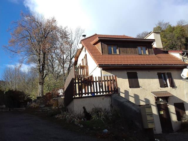 2 p. tout confort avec terrasse maison-montagne - Saint-Firmin - Pis