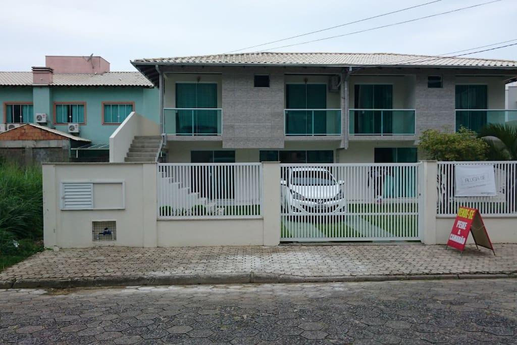 Casa em bombinhas casas en alquiler en centro santa for Casas santa catarina