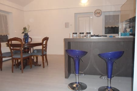 Villaveneziavendeghaz BlueApartment - Egerszalók - Apartamento