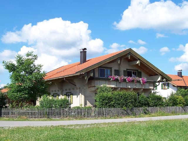 Bavarian  alpin loghouse - Burggen - Appartement