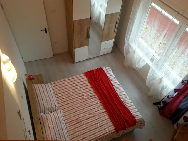 Villavenezia Red Apartment - Egerszalók - Appartement
