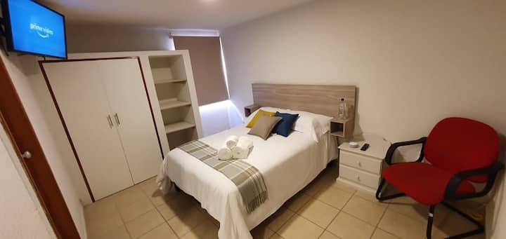 ⭐Vancouver room/ comfy and safe with parking/ 2per