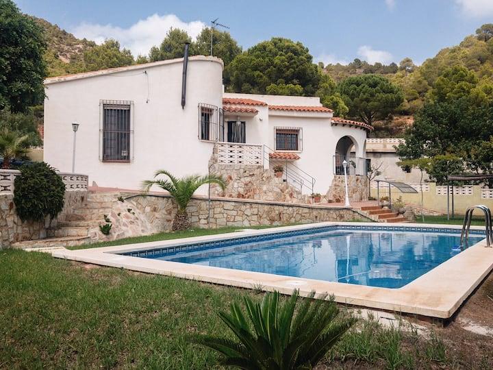 Chalet con piscina en la Sierra Calderona