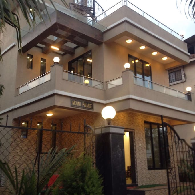 Mount Palace Amazing 4bhk With Private Pool Bungalows Zur Miete In Lonavala Maharashtra Indien