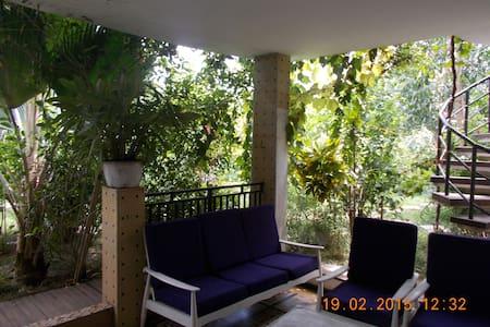 Villa de 5 pièces avec Grand Jardin - Lome