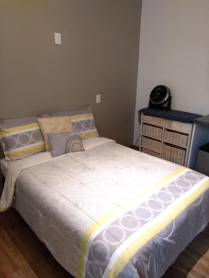 Confortable habitación tipo hotel muy bien ubicado