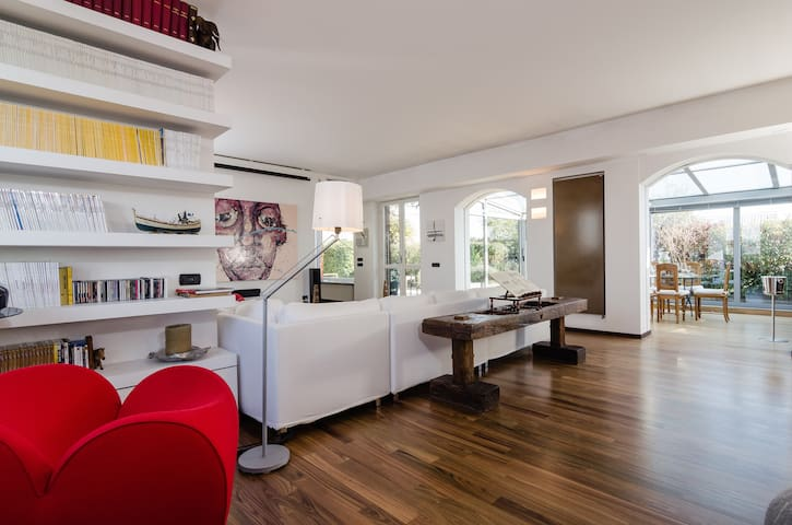Modern and bright penthouse in the center of Milan - Milano - Daire