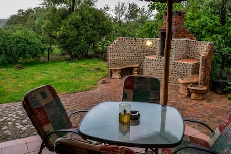 WILD OLIVE TREE COTTAGE - Krugersdorp - House