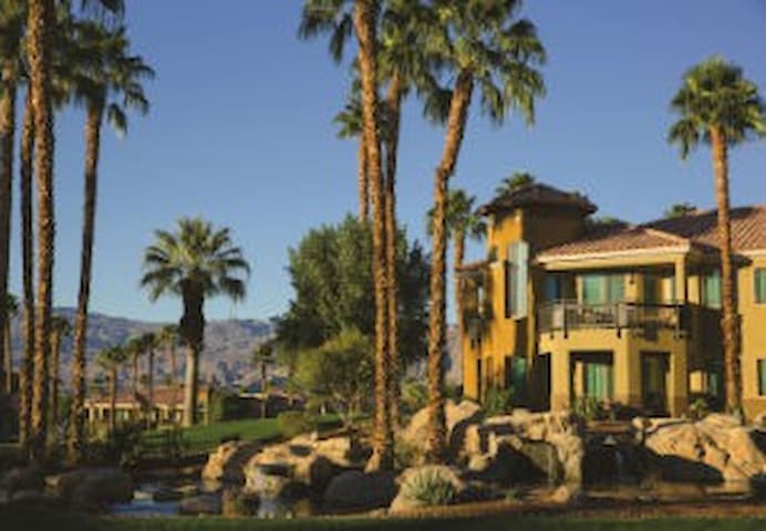 Marriott Desert Spring's Villas 2 2bed/2bath Condo