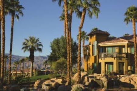 Marriott Desert Spring's Villas 2 2bed/2bath Condo
