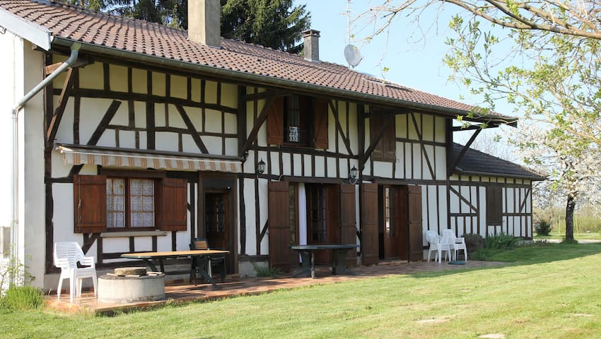 Grande maison champenoise pour 12p - Louze