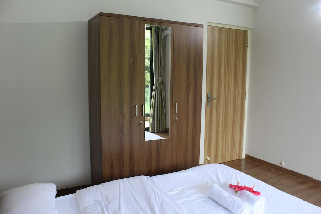 Double bedroom and wardrobe