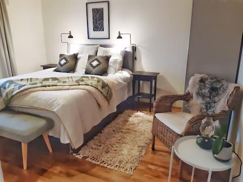 Acogedor apartamento en casa adosada nueva en Fågelberget
