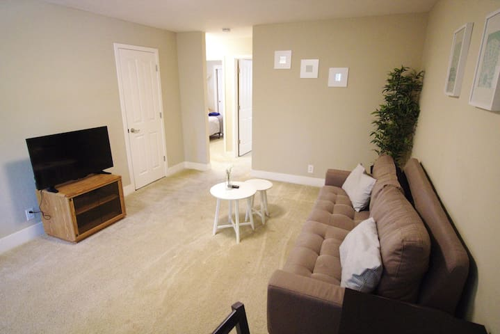 600 N Whisman #7 · ★ Furnished ★ Washer & Dryer ★ Near HWY 101★