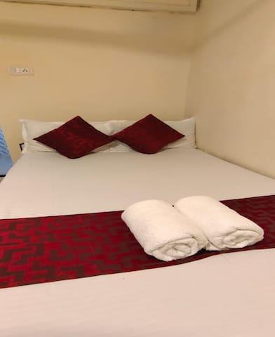 Budget Hotel Room in Andheri Mumbai