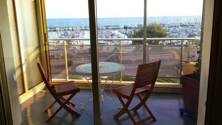 Superbe studio en front de mer