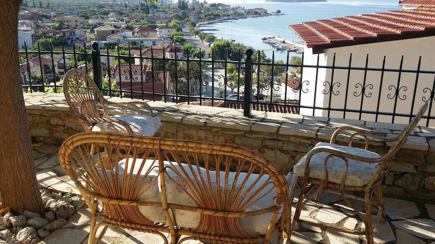 Beautiful house with great view - Glyfada