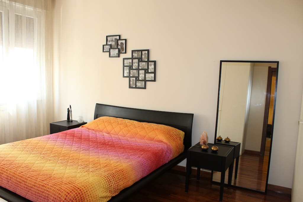 Brand new furnished: big bed size with extremly confortable mattress.