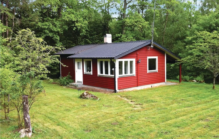 Holiday cottage with 2 bedrooms on 55 m² in Tjörnarp