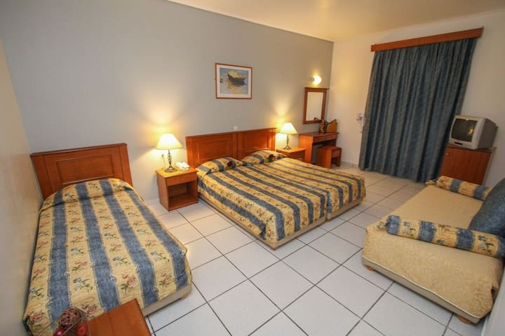 Spacious room with street view, garden view or pool view