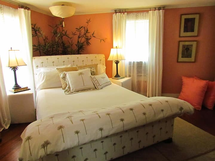 Lorraine Parish Bedroom Suite