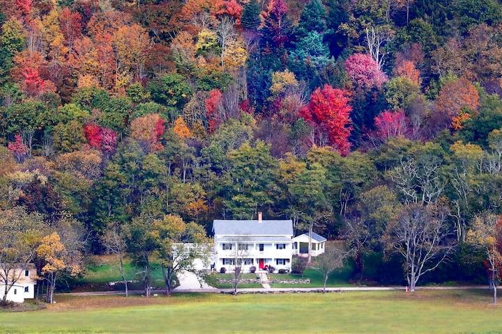 Adams Suite - The Hann Homestead Inn