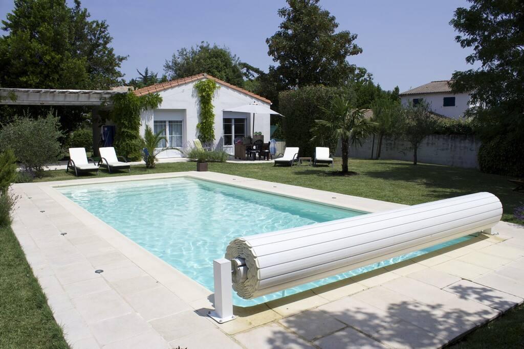 Belle maison avec piscine maisons louer vaux sur mer for Location maison avec piscine charente maritime