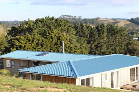 Pukeatua Farmstay - Waimauku - Bed & Breakfast