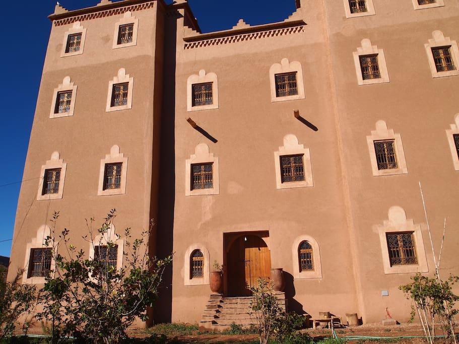 La façade principale de la Casbah.