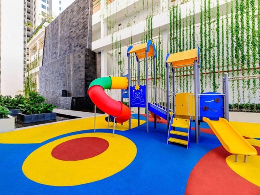 Children play-yard at ground floor