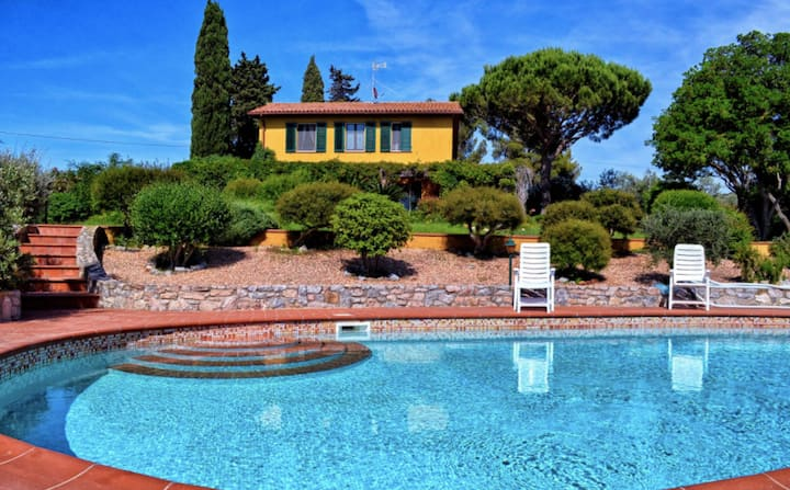 Beautiful, relaxing villa with pool in Tuscany