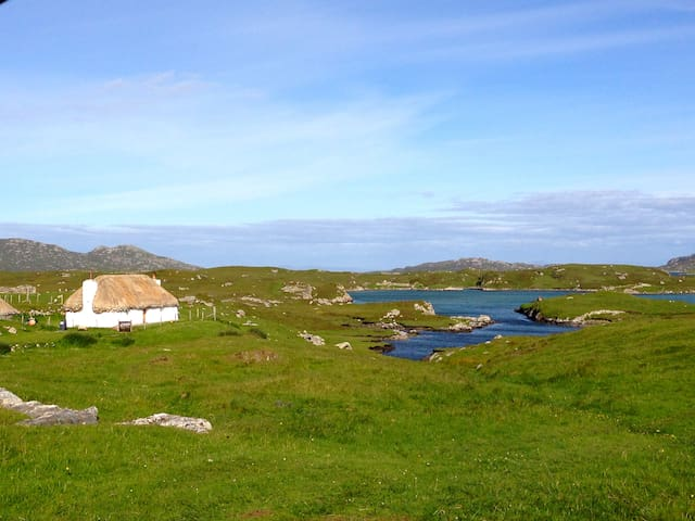 Glaic Cottage - Carinish - Casa