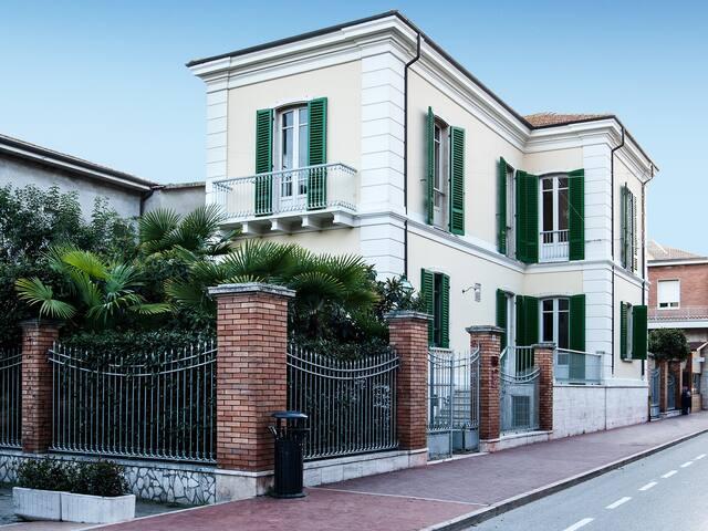 Villa Anna Stuart Dimora storica fronte mare - Giulianova - Villa