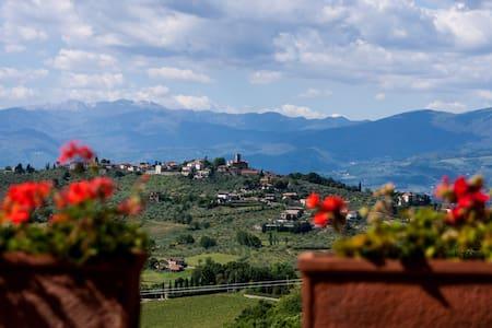 Farmhouse in the heart of Tuscany - Carmignano - Villa