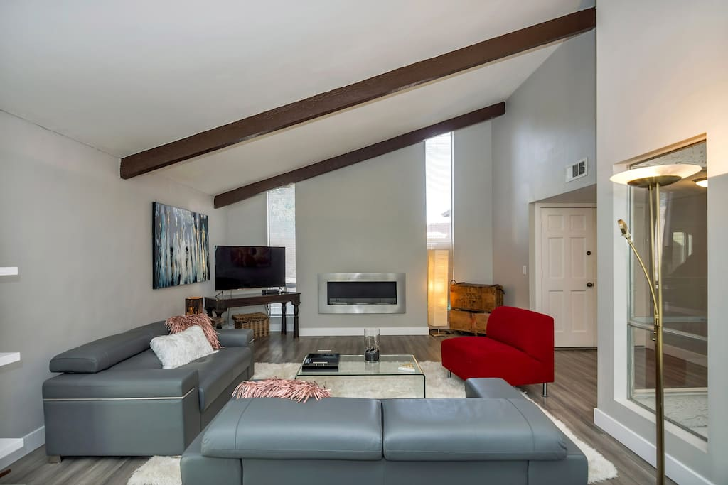 Living room and ethanol fireplace