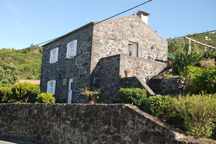 Casa de Campo no Faial - Horta - Villa