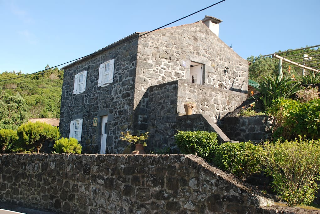 casa da eduardina h user zur miete in horta a ores portugal. Black Bedroom Furniture Sets. Home Design Ideas