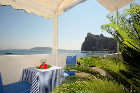 Apartment on the beach and in the h - Ischia - Wohnung