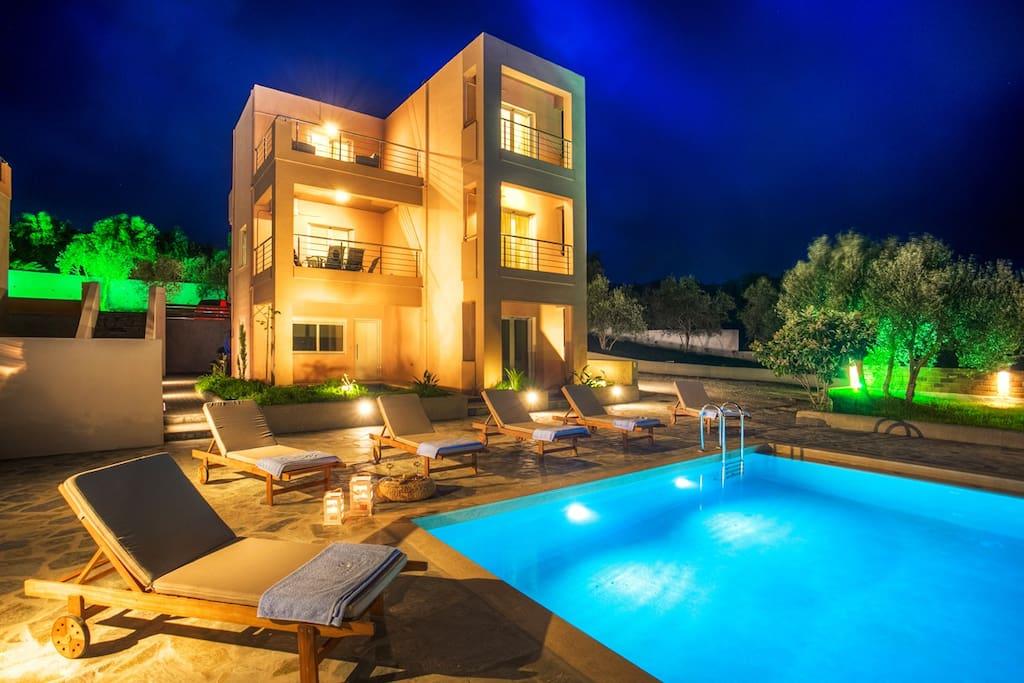 Private Villas For Rent In Kalyves Crete