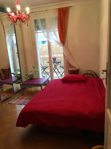 Cosy colourful apartment 5 min from Jet d'eau