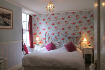 Double room at Brooklands Guest House - Bowness-on-Windermere