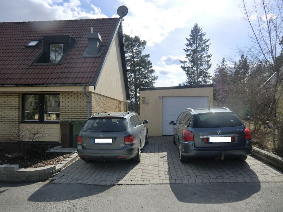 House with parking for two cars