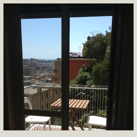 Sunny room in the tüpferlcasa - Genova - Appartamento