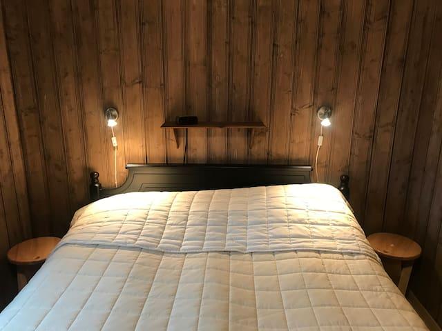 Hovedsoverom / Master bedroom