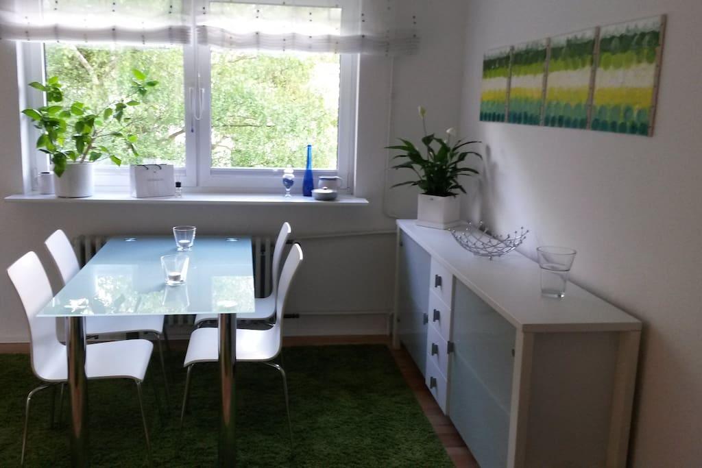 sonnendurchflutetes apartment apartments for rent in. Black Bedroom Furniture Sets. Home Design Ideas