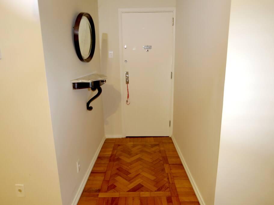 Porta de entrada da sala