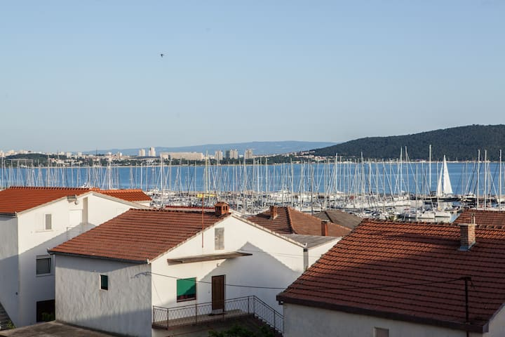 Comfort apartment for 3 persons - Kaštel Gomilica - Appartement
