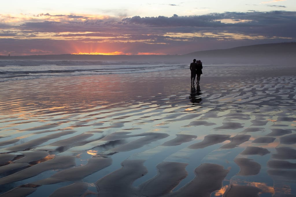 Romantic Walk on Middleton Beach