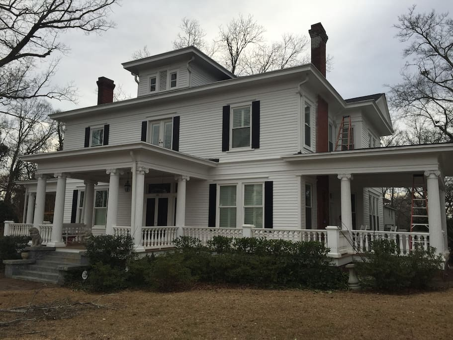 Wrap around porch (right)